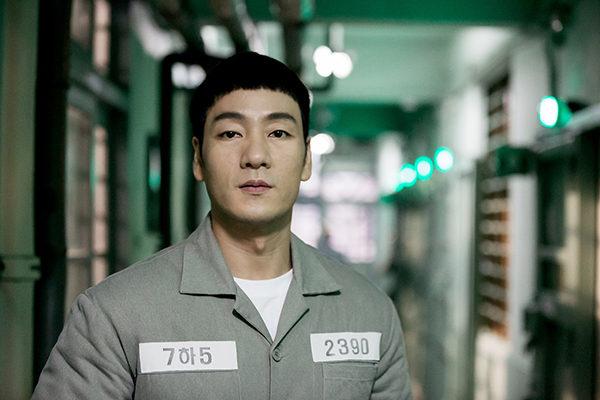 刑務所 の ルール ブック 俳優 死亡